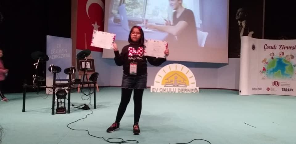 """Yıldız Teknik Üniversitesi ve Ev Okulu Derneğinin düzenlediği """"Evde Bilim"""" yarışmasında, ekoloji kategorisinde jüri birincilik derecesi ve sosyal medya birincilik derecesi"""