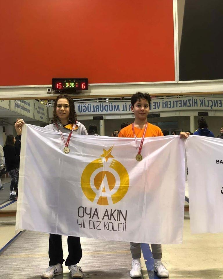 Okul sporlarının düzenlediği Eskrim Yıldızlar Turnuvasında 8.sınıf öğrencimiz Denizalp Güçel Flore katagorisinde Ankara 1.si , 7. Sınıf öğrencisi Egemen Erdinç il 2.si oldu.